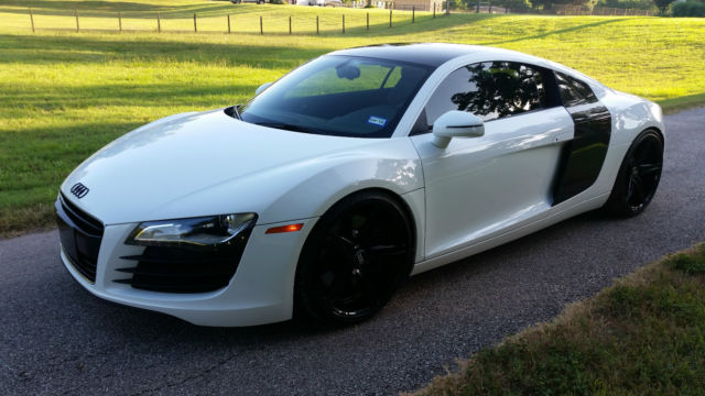 Awesome 2008 Ibis White Audi R8 V8 R Tronic Coupe Custom Exhaust