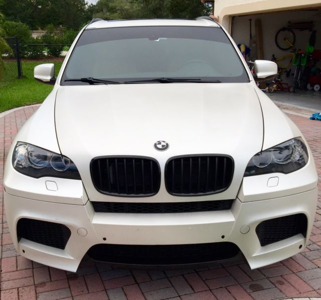 BEAUTIFUL 2010 BMW X5 M, MATTE WHITE SATIN WRAP, LOADED