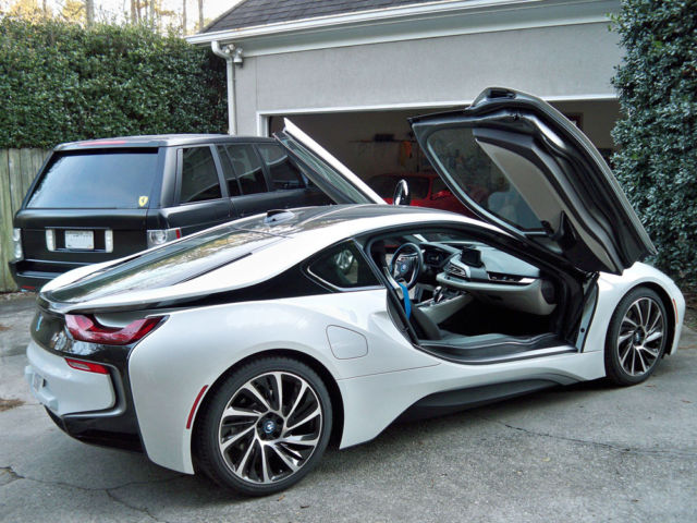 Bmw I8 Pearl White W Frozen Grey Accent Dalbergia Interior