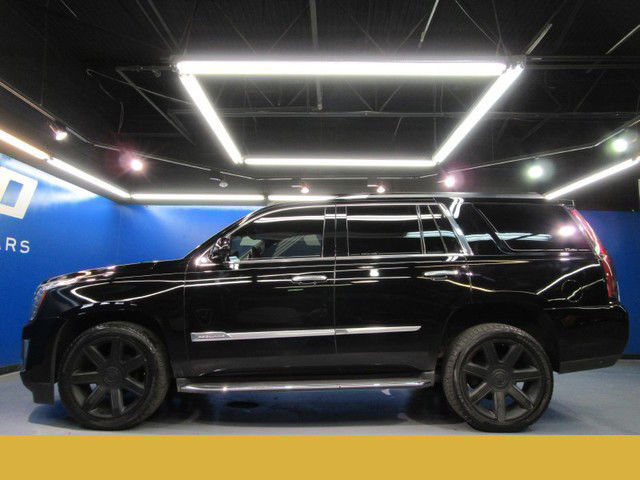 cadillac escalade luxury 2wd nav 3rd row bose camera cooled seats 19kmiles. Black Bedroom Furniture Sets. Home Design Ideas