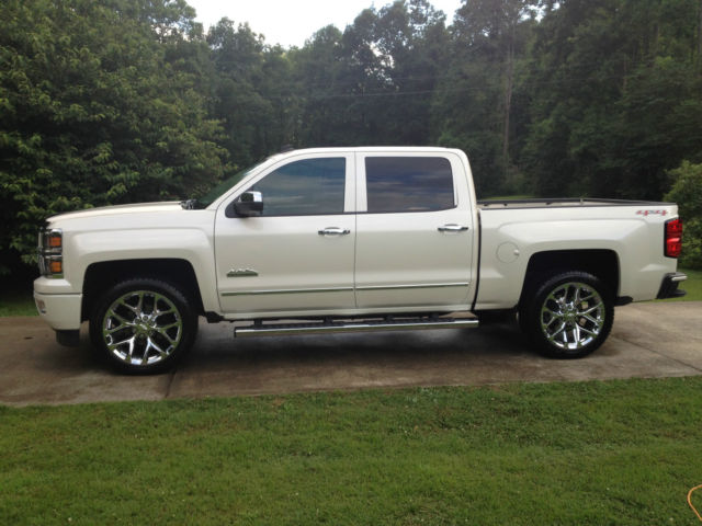"""Chevy High Country White Diamond With 22""""S 6.2 Engine 3800 ..."""