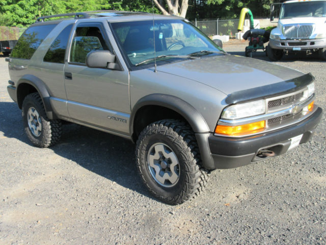 CHEVY S10 BLAZER ZR2 LIFTED LOTS OF NEW PARTS 5 SPEED 4WD