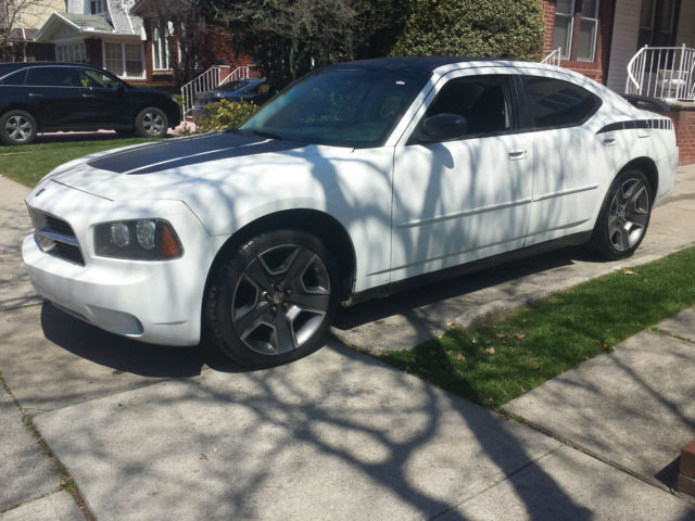 Dodge Charger Sxt 3 5 Engine White With Black Strips