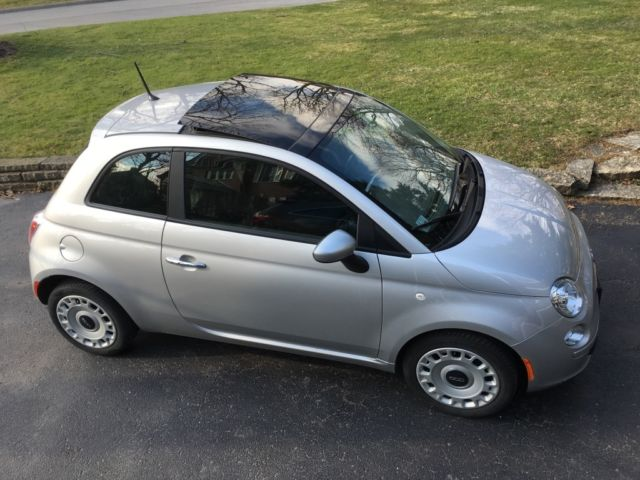 fiat 500 pop silver auto sunroof 20 600 miles 1 owner like new. Black Bedroom Furniture Sets. Home Design Ideas