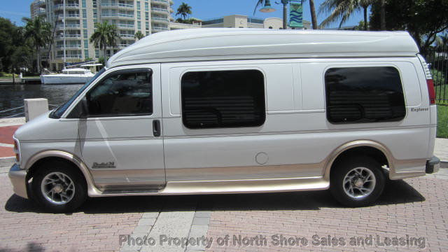 2001 GMC Savana 2500 Explorer Limited 9 Passenger