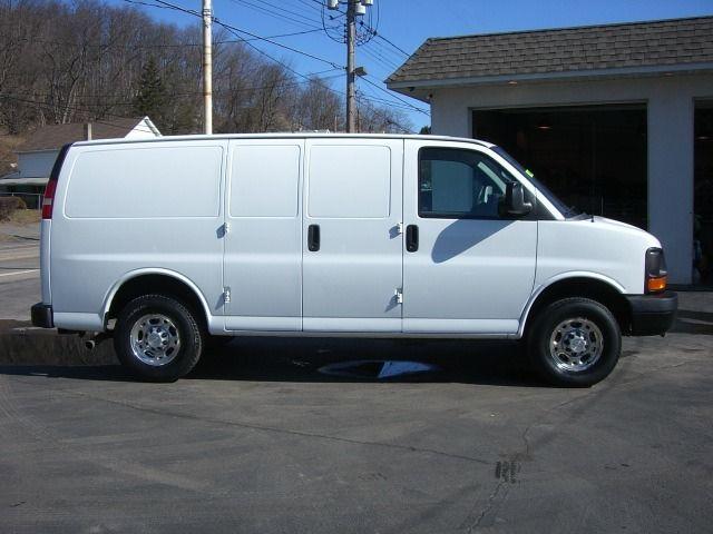 3/4 ton 4x4 van