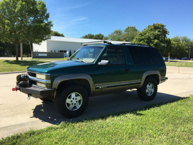Green chevy 2 door tahoe 4x4 8274 warn winch stereo light bar green chevy 2 door tahoe 4x4 8274 warn winch stereo light bar no reserve mozeypictures Images