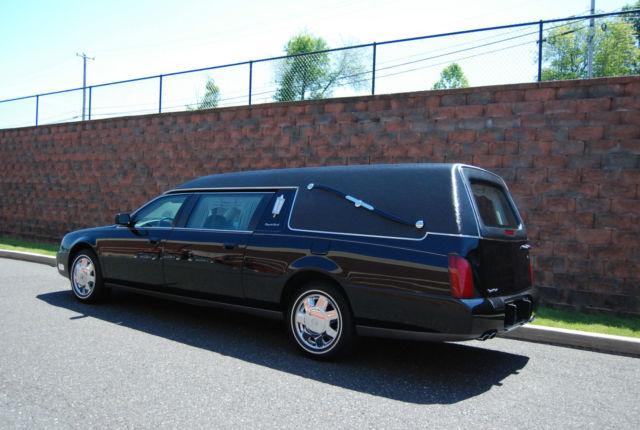Hearse Superior Cadillac Black Vinyl Top Nuetral