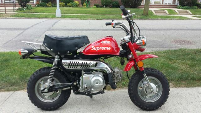 Honda Z50 Monkey Replica - 70cc - Supreme Edition