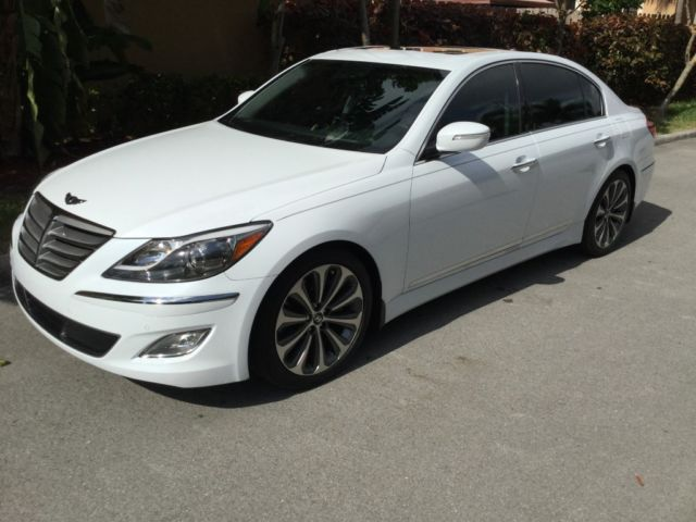 Hyundai Genesis 50 R Spec Sedan White Tan One Owner