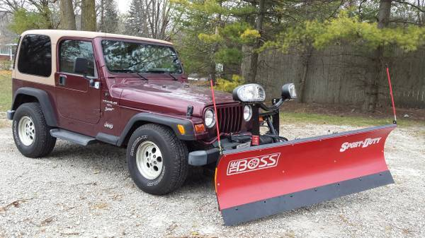 Jeep Wrangler Snow Plow >> JEEP WRANGLER WITH BOSS SNOW PLOW