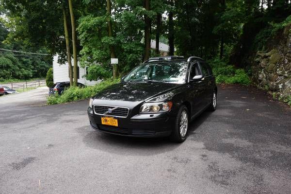 Jet Black Volvo v50 Wagon- Sunroof, Sound System, Lots of