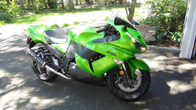 8136 further Used 2009 Kawasaki Ninja Zx 6r Monster Energy For Sale 361022 moreover Bbv furthermore Page5 additionally Character Pictures Descriptions 505e146f96b7a240f206411f. on 2010 kawasaki ninja zx14r special edition