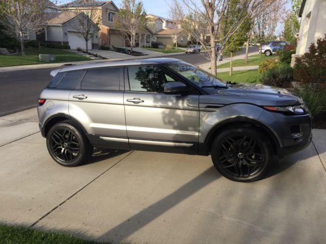 Lightly Used Grey Range Rover Evoque Se With Black