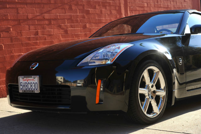 Like New Low Mileage Black Convertible 2004 Nissan 350Z Touring