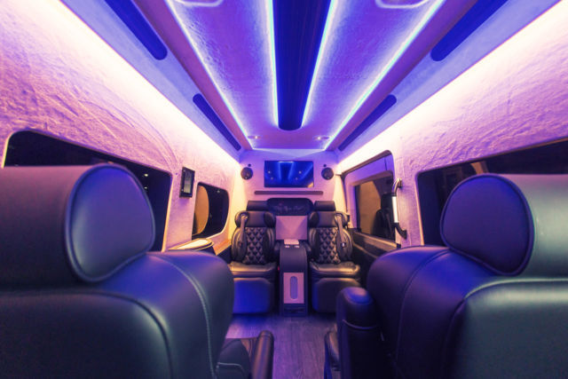 Luxury Executive Ford Transit 350 Hd Van Custom Limo