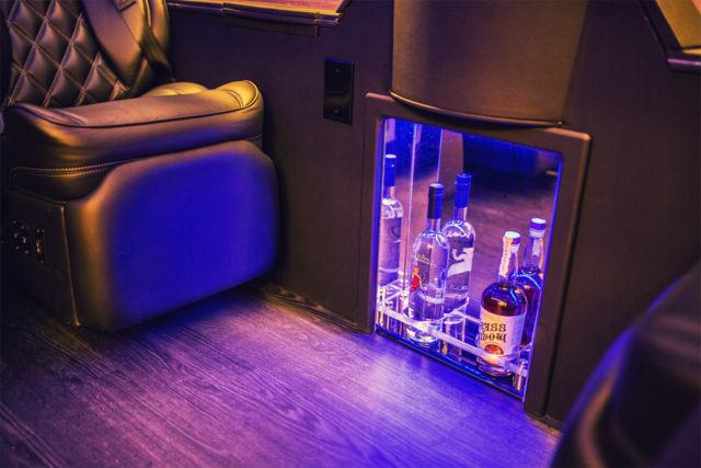 Luxury Executive Ford Transit 350 Hd Van Custom Limo