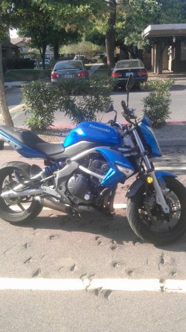 Motorcycle 2009 Kawasaki Er6n 650 Ninja Blue Used Well Maintained