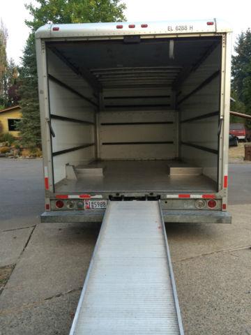 Moving Truck 2000 Ford E350 17 Feet Long White Former U Haul Box Truck