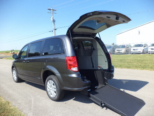 new 2017 dodge grand caravan se handicap wheelchair van rear entry. Black Bedroom Furniture Sets. Home Design Ideas