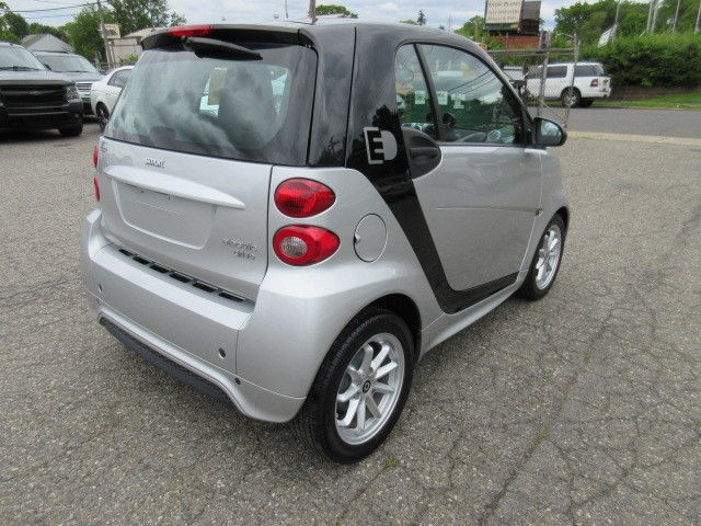no reserve 2015 smart fortwo electric drive coupe pano roof msrp 26 250. Black Bedroom Furniture Sets. Home Design Ideas
