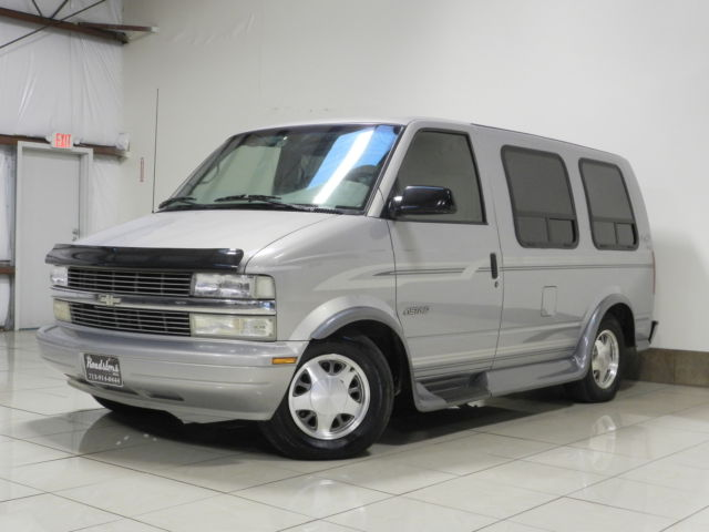 RARE CHVEROLET ASTRO MARK III LOW TOP CONVERSION VAN TV DVD 3RD ROW SOFA BED