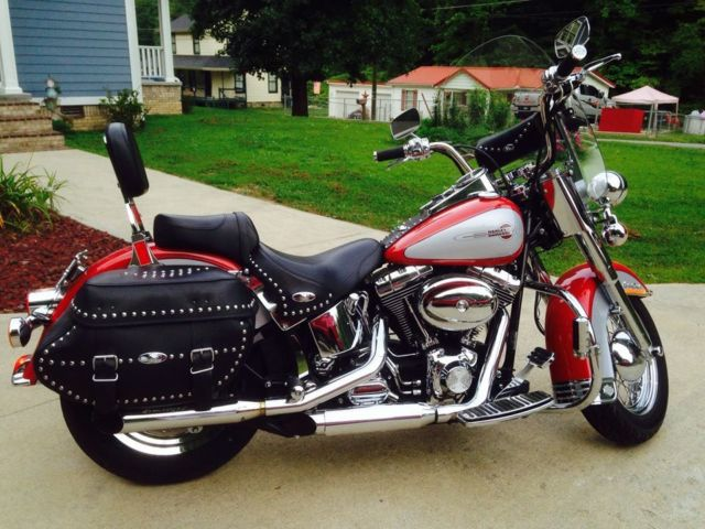 red with silver harley davidson heritage softail classic perfect condition. Black Bedroom Furniture Sets. Home Design Ideas
