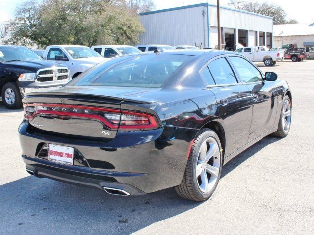 R T sedan V 8 5 7L Hemi 8 Speed sunroof navigation backup camera AUX