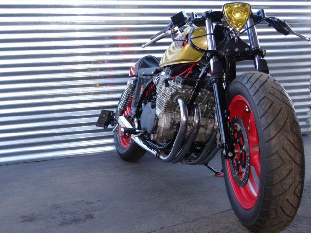 See video cafe racer street fighter drag bike bobber for Yamaha drag bike