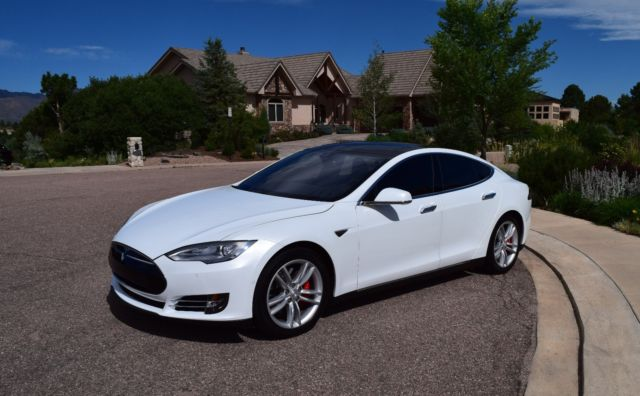 tesla model s p85dl with ludicrous pearl white. Black Bedroom Furniture Sets. Home Design Ideas