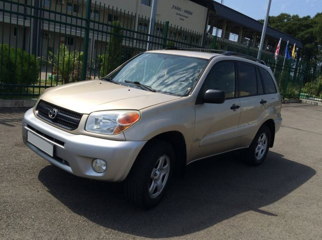 toyota rav 4  color gold automatic 2004 perfect condition  4wd