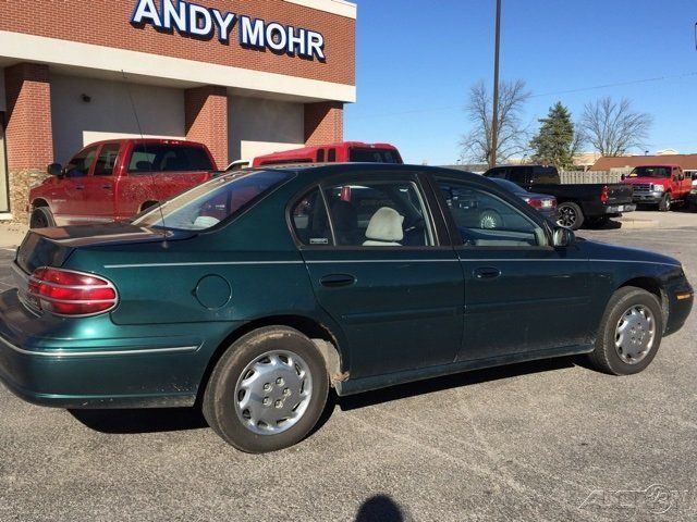 used 99 oldsmobile cutlass gl 3 1l v6 auto fwd sedan green cloth no reserve vehicles markets com