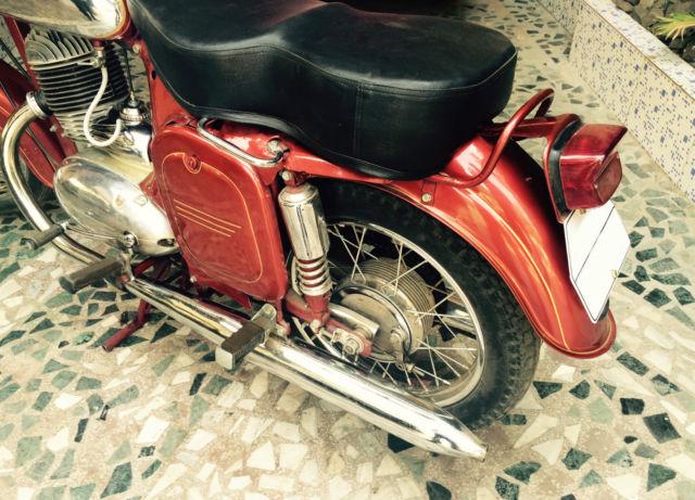 vintage 1967 jawa 250cc motorcycle carefully restored. Black Bedroom Furniture Sets. Home Design Ideas