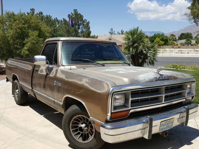 Vintage 89 Dodge Ram D150 Pickup Full Size 8 Foot Bed