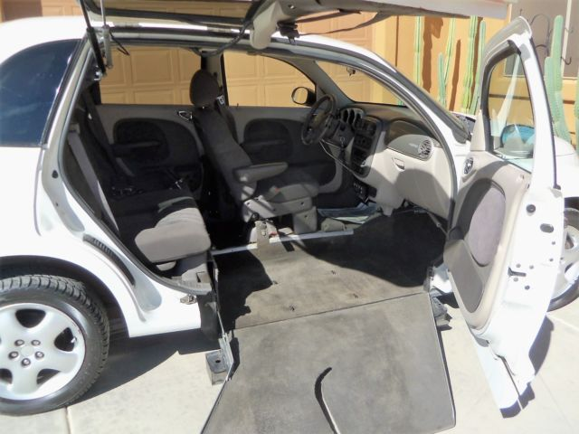 wheelchair handicap chrysler pt cruiser 4 door like new 47k original miles. Black Bedroom Furniture Sets. Home Design Ideas
