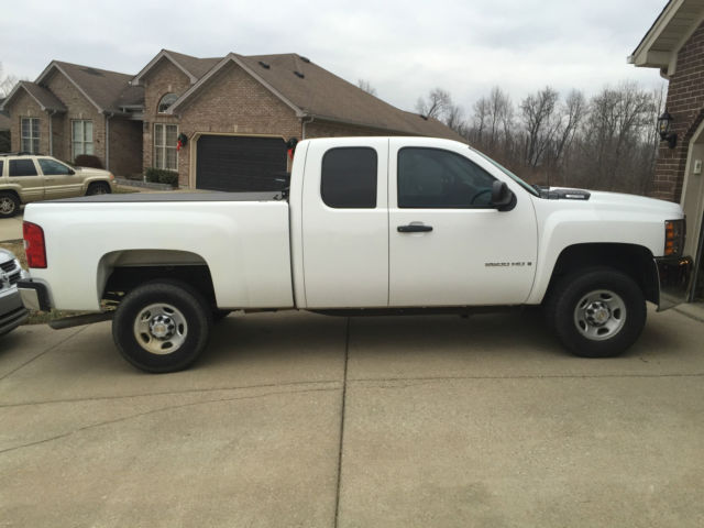 White 2009 Chevy Silverado 4x4 Extended Cab Be Bed Liner Rollx Cover