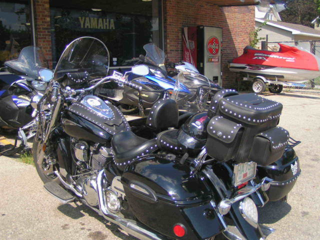 Yamaha Road Star Midnight Silverado Wt Sidecar    Black